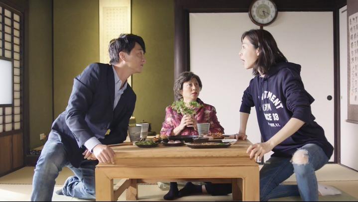 謝盈萱(右)、藍韋華表達欣賞對方神情很激動。圖/華視提供