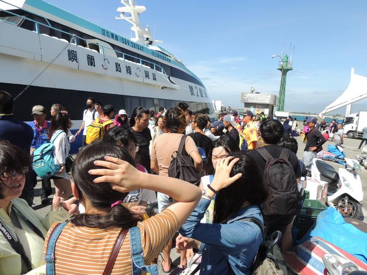 台東地區客輪業者今天上午加強離島遊客輸運。記者羅紹平/攝影