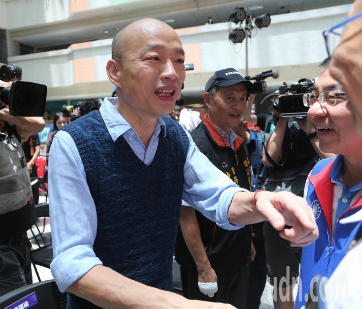 丹娜絲颱風發布陸上颱風警報,南部未來可能會出現豪雨,高雄市長韓國瑜要求市府團隊做到零災害。記者劉學聖/攝影