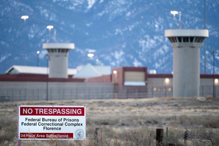 科羅拉多州佛羅倫斯的美國最高監管感化院(ADX Florence)資料畫面,該地素有「超級監獄」(Supermax)及「洛磯山惡魔島」(Alcatraz of the Rockies)之稱。墨西哥大毒梟古茲曼17日被法官判處無期徒刑,預計將在此度過餘生。法新社