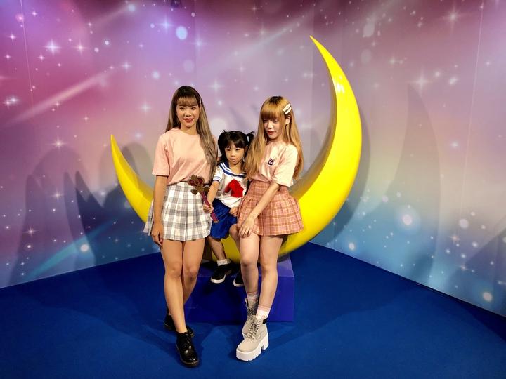 美少女戰士夢幻世界台中站,精心打造粉絲心目中的夢幻世界,還加碼推出全新變身場景,可以體驗「代替月亮懲罰你」的痛快。記者宋健生/攝影