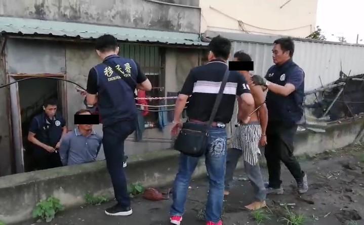 農村缺工效應?彰化首見查獲14採蔥印尼人,正追查雇主。圖/專勤對提供