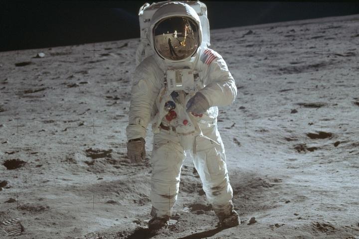 7月20日是人類首度成功登月50周年,美國與全球各地都舉行紀念儀式。圖為阿波羅11號太空人艾德林,1969年7月20日攝於月球。美聯