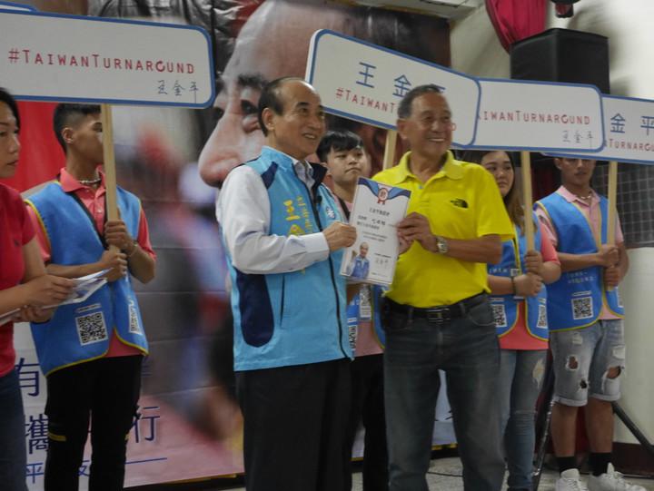 前立法院長王金平說,選總統他要選到底,但是這條路怎麼走,他接受上天的安排。記者吳淑君/攝影