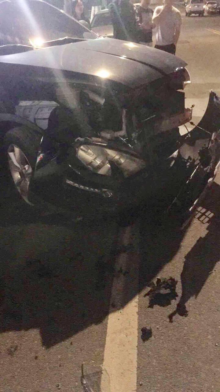台中市黃姓女子今年4月初酒駕撞上張姓女子的轎車,把張女轎車車頭撞到全毀。圖/讀者提供