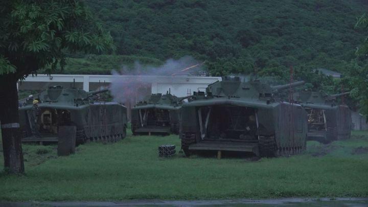 海軍陸戰隊的登陸戰車中,知名度最高的莫過於「水鴨子」LVTP-5,透過實地採訪,一窺陸戰隊登陸砲車的射擊日常。記者徐宇威攝影