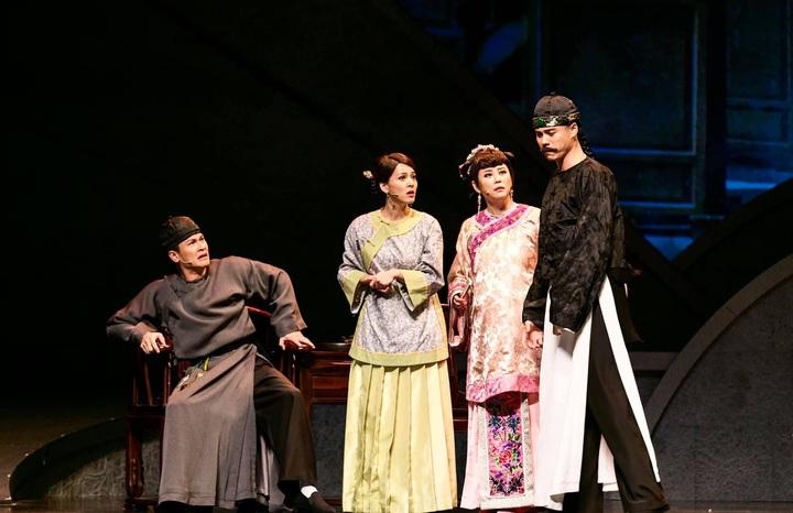 吳定謙(右起)、方馨、蘇晏霈、王建復演出音樂劇「女人心」。圖/方馨提供