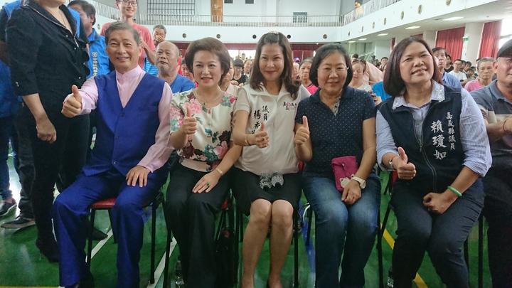 白狼張安樂今天到嘉義演講,嘉義市前議長蕭淑麗等人,都到場致意歡迎。記者卜敏正/攝影