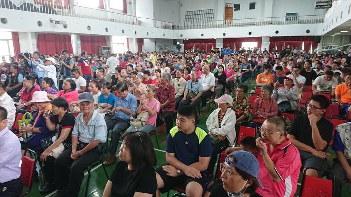 白狼張安樂今天到嘉義演講,現場約有600多人到場。記者卜敏正/攝影