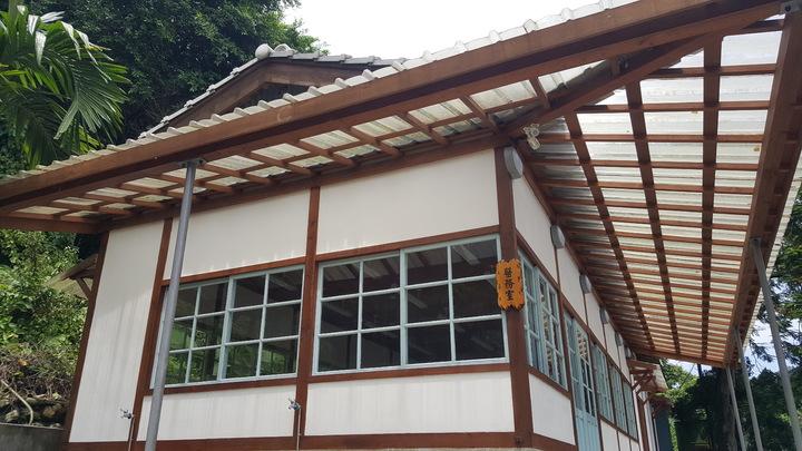 出磺坑有多處歷史建築,其中的醫務室已修復,縣府獲文化部補助進行「歷史現場活化」計畫,將再修復另外5幢歷史建築。記者胡蓬生/攝影