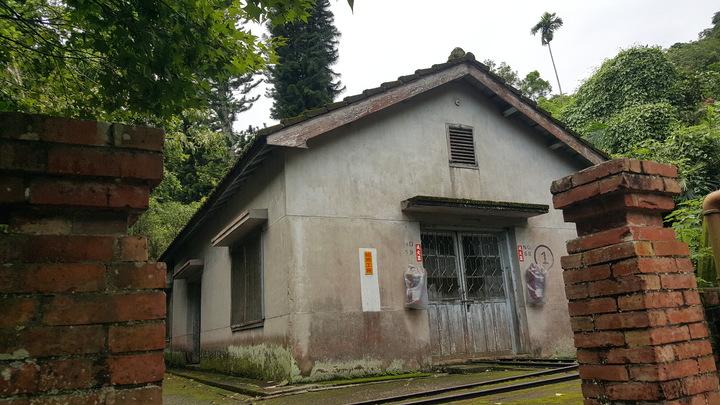 出磺坑有多處縣府公告登錄的歷史建築。記者胡蓬生/攝影