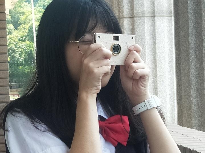 基隆二信高中有溫度的「紙相機」勇奪德國紅點設計獎。記者游明煌/攝影