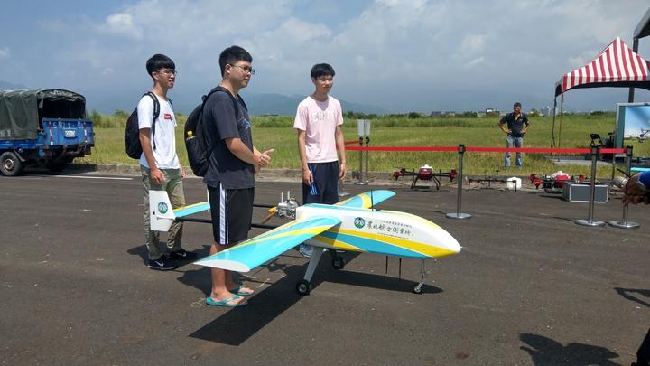 國立宜蘭大學啟用全國獨一無二的無人機優質培訓場,在這裡無人機可以自在飛翔,未來培訓專業人才,展旺商機無限。 記者戴永華/攝影