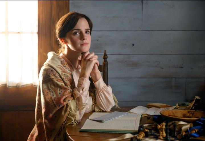 艾瑪華森在「她們」扮演賢淑的大姊。圖/摘自imdb