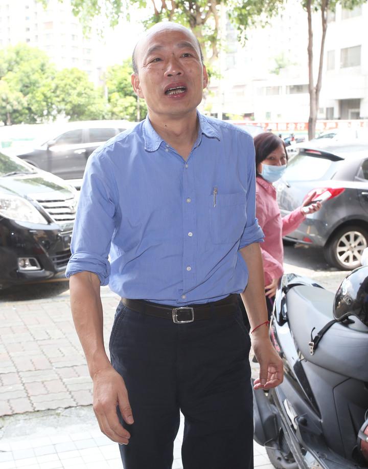 高雄市長韓國瑜中午前往高雄市黨部參加國政顧問團能源政策直播。記者劉學聖/攝影