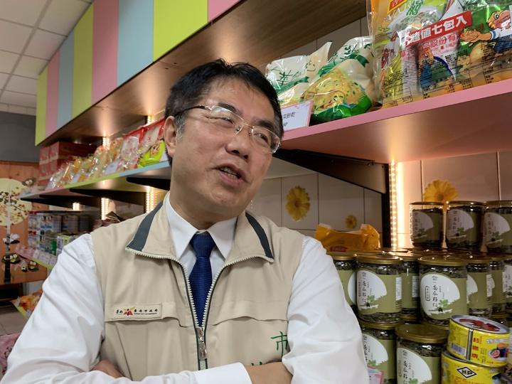台南市長黃偉哲今被問到蔡賴會的看法。記者吳淑玲/攝影
