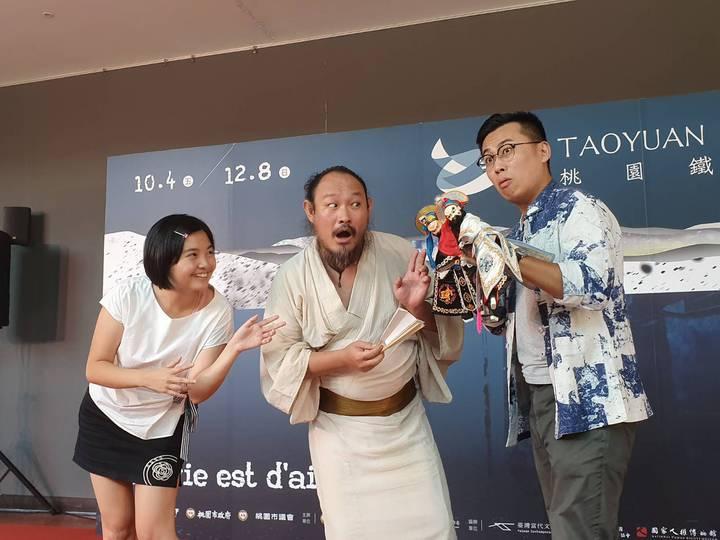 《盲劍客一見/不見之間》將在10月登場,融合日式落語相聲加上台式布袋戲偶,相當值得期待。記者陳夢茹/攝影