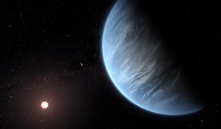英國倫敦大學學院的天文研究團隊在最新一期「自然天文學」刊登論文,宣布他們距地球111光年的太陽系外行星「K2-18b」大氣層發現水蒸氣。圖為美國航太總署11日釋出的K2-18b想像圖。路透