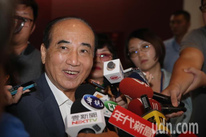 立法院前院長王金平說,國政團針對22縣市都制定白皮書,這次來拜會盧市長,就是要提出相關的建設。記者黃仲裕/攝影