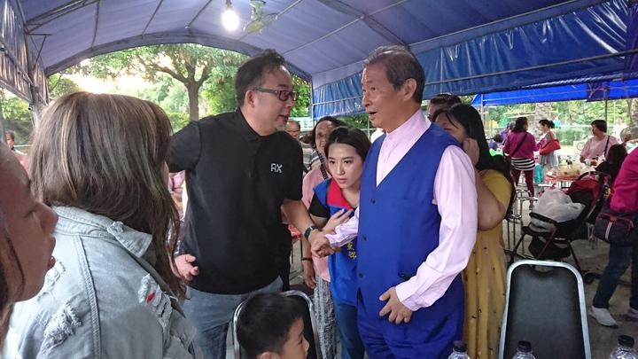 中華統一促進黨總裁張安樂,今天到嘉義參加 地方黨部聚會。記者卜敏正/攝影