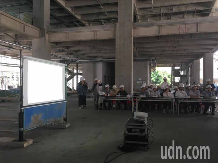 台北市議會工務委員會今天上午前往大巨蛋視察。記者張世杰/攝影