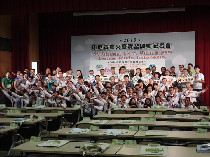 農委會引進印尼青年農場實習,紓解人力荒兼作外交。記者周宗禎/攝影